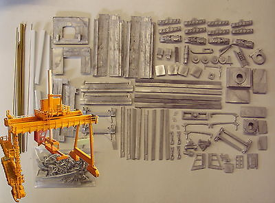 P&D Marsh N Gauge N Scale M10 Rail Mounted Gantry crane kit requires painting