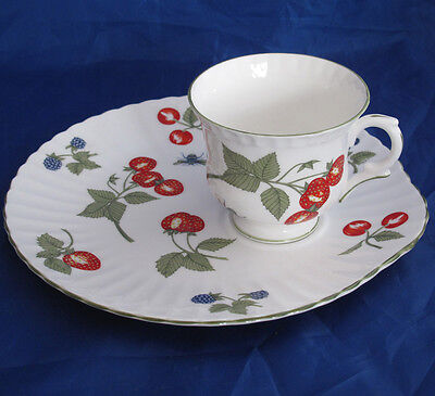 Crown Staffordshire Hampton Snack Plate And Cup Strawberry Blackberry