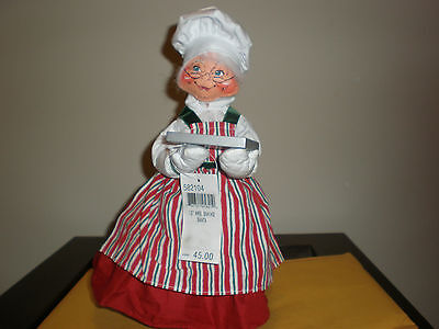 "ANNALEE 13"" MRS. BAKING SANTA NEW WITH TAG"