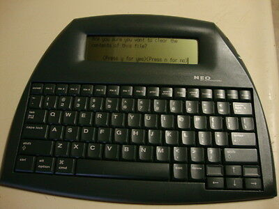 NEO AlphaSmart with USB cable/ 3 AAA batteries/ tested