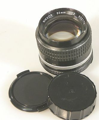85MM F 2.0 AIS NIKON LENS WITH FRONT AND REAR CAP