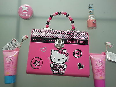 Hello Kitty PUNK PRINCESS Koferchen,lunchbox + 4 steuck kosmetik SANRIO NEU