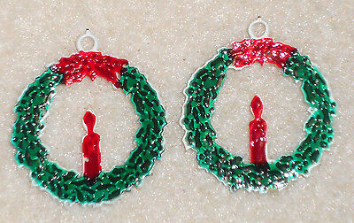 #329 Vintage Enamel Pendant Wreath Candle Christmas Earrings Charm Green Holiday