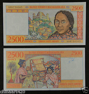 Madagascar Paper Money 2500 FRANCS UNC