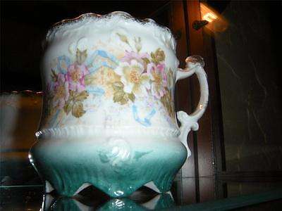 EARLY ANTIQUE C.T. HUTSCHENREUTHER CHINA GERMANY TEA CUP FLORAL W/ GOLD ACCENTS