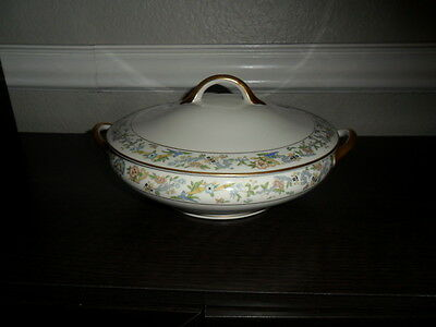 SYRACUSE CHINA ORIENTAL ROUND COVERED VEGETABLE BOWL GOLD TRIM