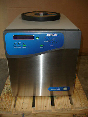 LABCONCO FREEZONE 2 5 Plus Liter Freeze Dry System Model 7670021 Date  5-17-12NEW