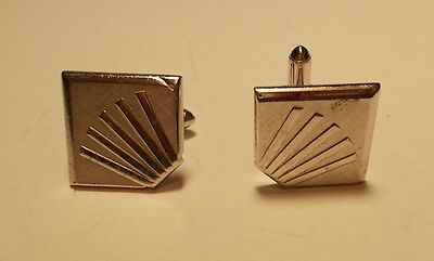 Up for Auction is a Silvertone star bust design  Vintage  Cuff Links Men's Jewel