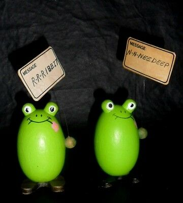 OMC Japan Wooden Egg Frogs Picketing Frogs w Message Signs    R2