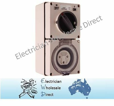 3 pin Round 32A 240v Switch Socket Outlet Industrial Switchgear IP66 amp