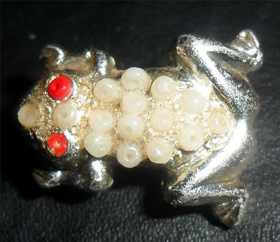Vintage Silver Tone Red & White Beaded Frog Brooch Hong Kong LOOK H