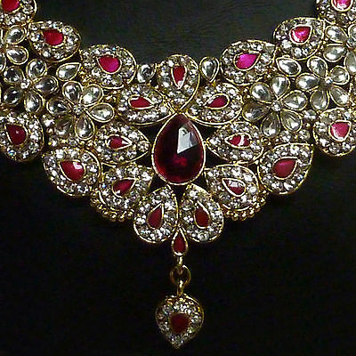 Bollywood Schmuckset Chandrika gold magenta mit Collier, Ohrringen + Teeka 19M
