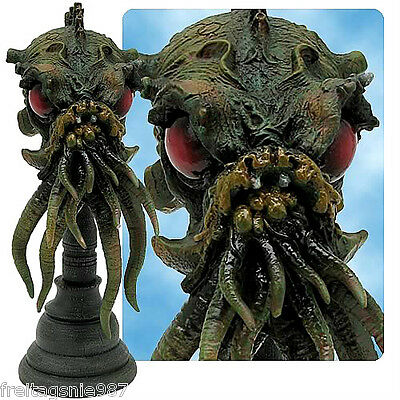 H P LOVECRAFT  CTHULHU resin-bust 16cm by Toy Vault