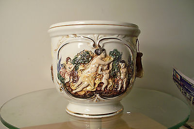 "CAPODIMONTE URN / CONTAINER DECORATED WITH WOMAN & CHERUBS - 7"" TALL,8"" DIAMETER"