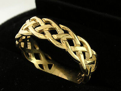 R005 - Genuine Solid 9ct or 18ct Gold Keltic Wedding Band Ring sizes 5 to 11.5
