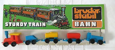 Sturdy Train_Dampflok_4 Waggons_Bruderstabil Bahn_600_Made in W.Germany_Plastik