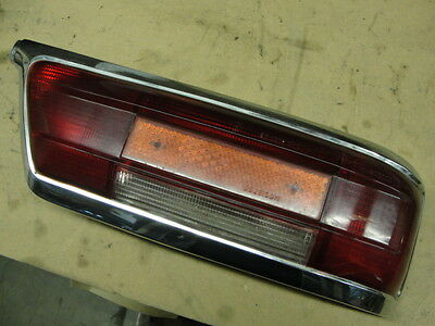 MERCEDES 111 220 250 280 SE RED TAILLIGHT LENS WITH REFLECTOR AND BEZEL