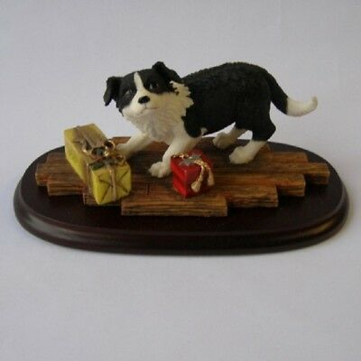 Leonardo LP3624 Dog Ornament Border Collie Puppy with Christmas Presents in Box