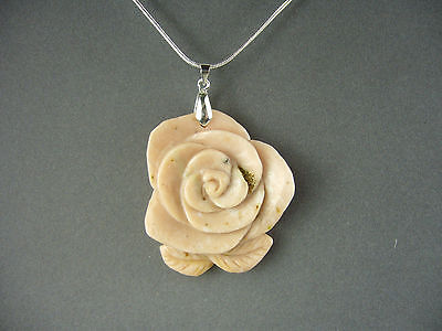 ARTISAN CARVED PERUVIAN PINK OPAL FLOWER GEMSTONE  PENDANT NECKLACE