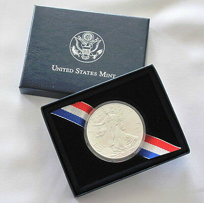 2013 American Silver Eagle Walking Liberty 1oz Coin in US Mint Box