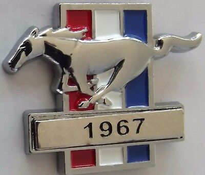 Ford Mustang 1967 lapel pin badge.  C031002Y