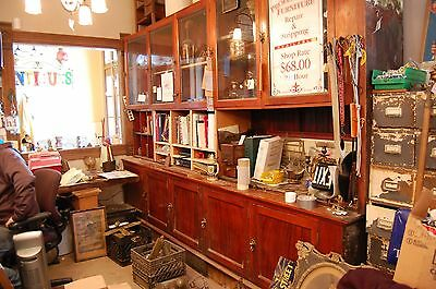 VINTAGE COUNTRY STORE DISPLAY CABINET SHOWCASE BUILT IN