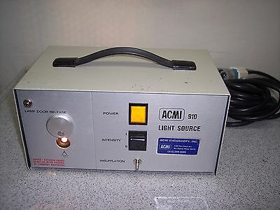 ACMI 910 Light Source