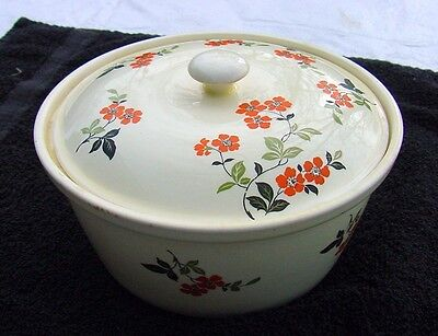 Vintage Casserole~Paden Bakserv~Just Lovely Pottery Dish/bowl With Lid