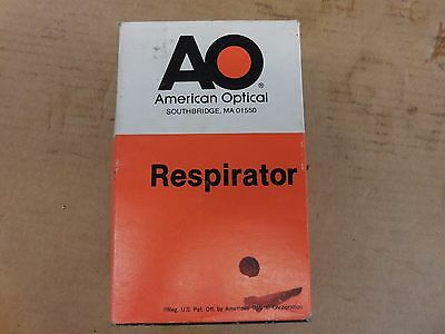 NEW AMERICAN OPTICAL R9722 RESPIRATOR   052583 Chlorine, Hydrogen Chloride...