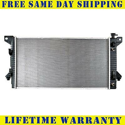 13099 New Radiator For Ford Fits Expedition F150 Navigator 4.6 5.4 V8 8Cyl
