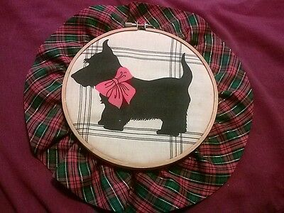 CUTE SCOTTY DOG WALL PLAQUE - MADE WITH WOODEN RING
