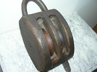 LARGE ANTIQUE WOODEN PULLEY WOODEN BLOCK AND TACKLE.