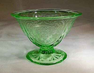 HAZEL ATLAS GLASS CO. ROYAL LACE RARE GREEN FOOTED SHERBET or DESSERT DISH-MINT!