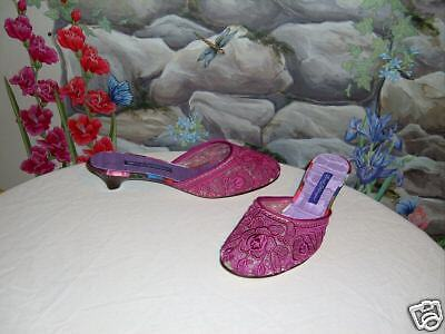New BEVERLY FELDMAN Pink Embroidered Lace Mules 8
