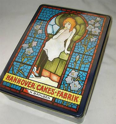 """Sexy Vintage Hannover Cakes Tin - """"Keyhole"""" Cover Girl, Bahlsen Germany"""