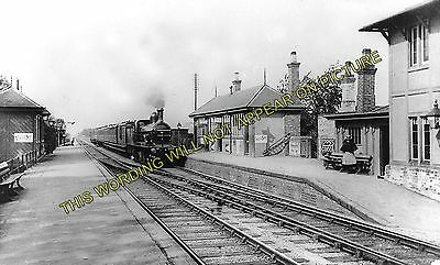 Arksey Railway Station Photo. Doncaster to Moss, Blane and Heck Line. GNR. (1)