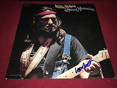 Willie Nelson Sweet Memories Signed Vinyl Lp Album Coutry Music Proof