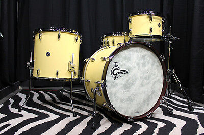 Gretsch USA Brooklyn limited edition vintage white 4 piece drum kit - new!!!