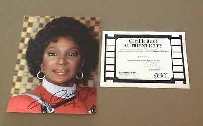 STAR TREK Nichelle Nichols as UHURA Signed Colour Photo with COA
