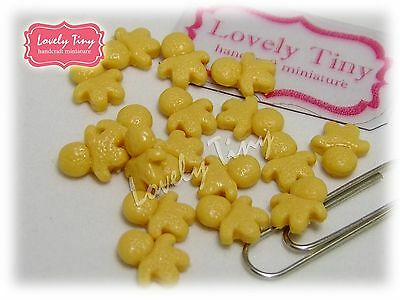 Dollhouse Miniature Food:10 pieces of Smallest Miniature Cookie Man 1 cm high