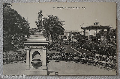 """CPA"""" ANGERS - Jardin du Mail"""