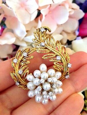 Le Triomphe Pearl & Diamond Floral Brooch / Pin in 18k Yellow Gold - HM1433SE