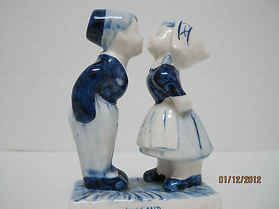 new DELFT blue HOLLAND kissing couple Hand Painted