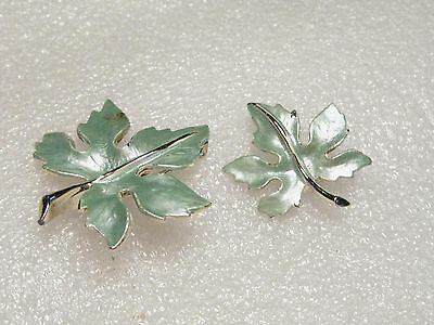 Vintage Goldtone Pair of Pearly Green Enameled Leaf Brooches, Two Sizes - Pretty
