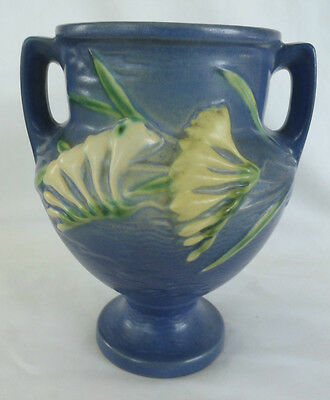VINTAGE ROSEVILLE POTTERY VASE BLUE 196-8 FREESIA EXCELLENT CONDITION