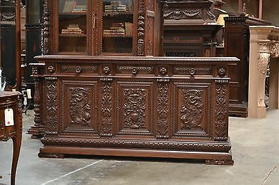 600292 : LARGE HEAVILY CARVED ANTIQUE ITALIAN RENAISSANCE SIDEBOARD CABINET