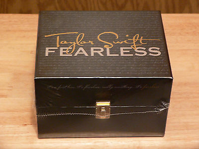 """TAYLOR SWIFT - RARE OOP Limited Edition Collectors """" FEARLESS """" BOX SET - Sealed"""
