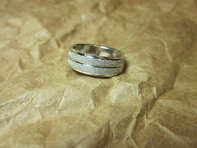 925 Sterling Silver Diamond Dust Band RING   SZ  6  Wide Band  Unisex  Ring