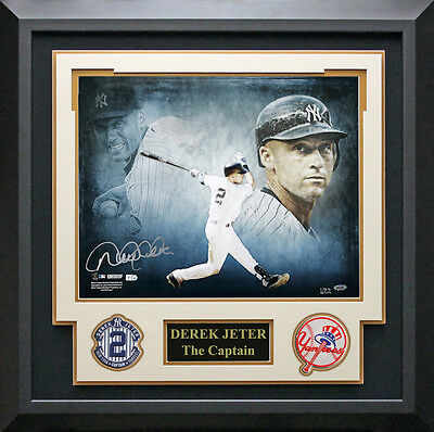 Derek Jeter Signed New York Yankees Photo Framed.