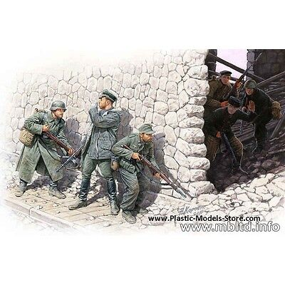 """""""WHO'S THAT ?"""" SOVIET AND GERMAN SOLDIERS 6 FIGURES 1/35 MASTER BOX 3571"""